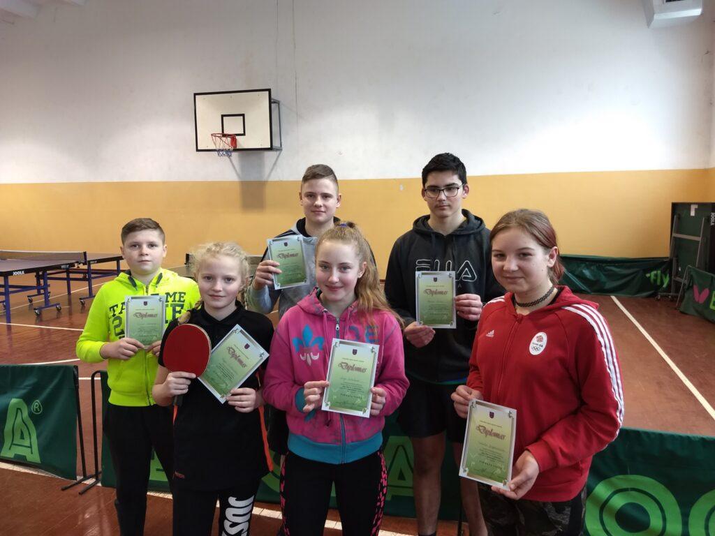 Mokyklos tenisininkų sėkmė